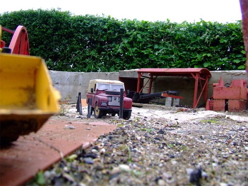 landrover-in-pit.jpg