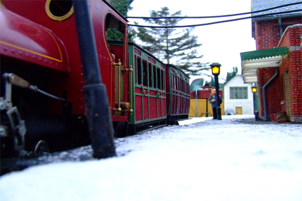 train-leaving-snow.jpg