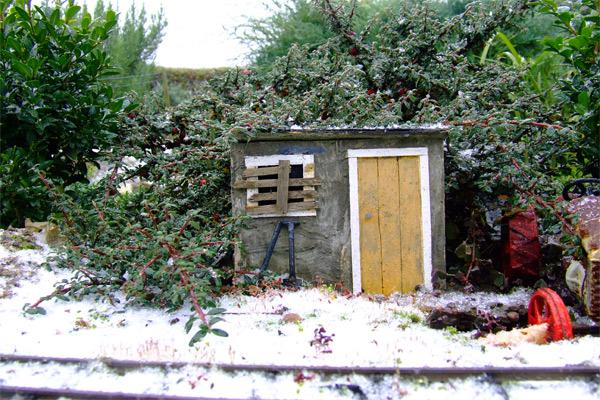 snowy-hutweb